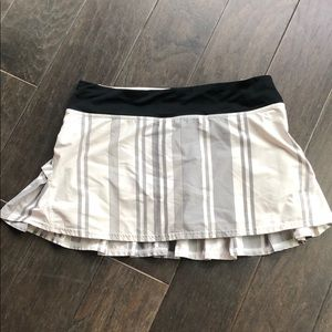 Lululemon workout skirt with built in spandex